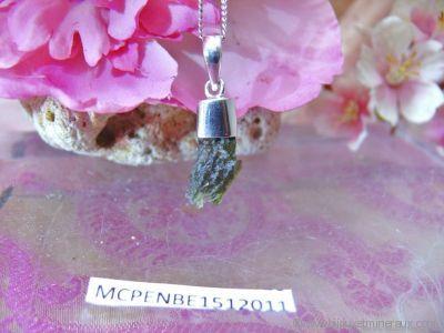 Pendentif en argent 925° et Moldavite