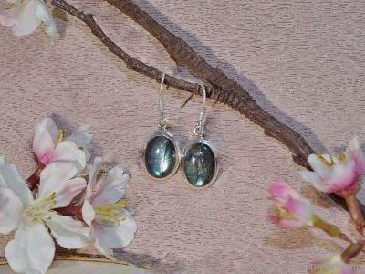 Boucles d'oreilles Labradorite en argent 925° Forme cabochon
